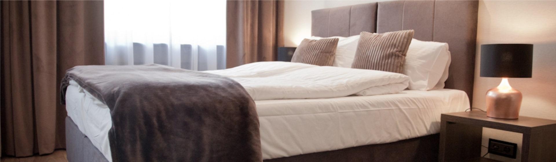 łóżka Kontynentalne Dla Hotelu Przytulne I Wielofunkcyjne